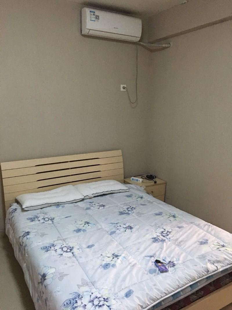 二七广场 响水湾 1室 1厅 43平米 整租