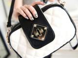 2012新款包包韩版女包批发黑白撞色菱格扭锁小包单肩斜跨小多用包