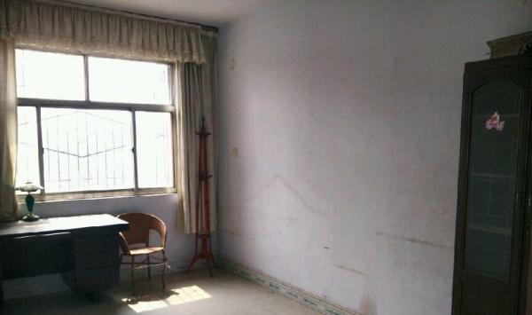 工区路金达建材市场大门西侧新搂 3室2厅1卫