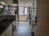 地铁口附近精装修一室房 可直接拎包入住 小区环境好 押一付一