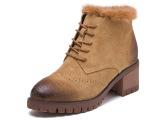 看起来就很暖的毛毛靴,冬季必备。   鞋