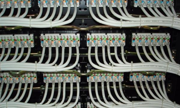 正通科技承接监控安装、网络布线、门禁安装、无线覆盖