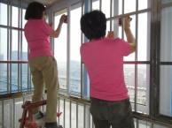 专业擦玻璃 打扫卫生(天宇家政服务公司)