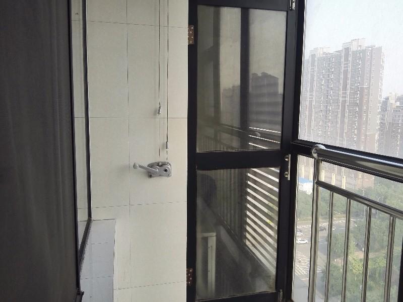 钢铁路 万城新天地 1室 1厅 40平米 整租