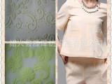 现货供应21383D凹凸印花网布时装女面料时尚 立体压玫瑰花面料