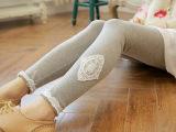 2015春季新款 韩版显瘦时尚菱形蕾丝铅笔裤 女式打底裤 厂家直