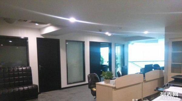 水星 渝北两江新区 稀缺写字楼办公装修带家具出租
