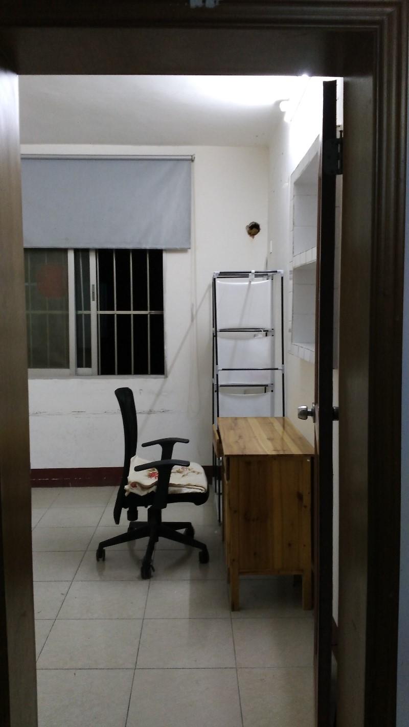 广西大学西校园教职工宿舍招合租 男女不限 靠近地铁