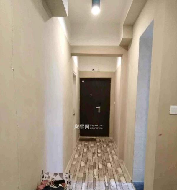 金阳新区 中铁逸都国际 合租房 拎包入住 随时看房 包物管