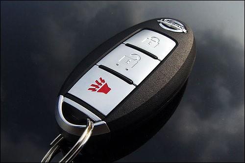 郑州开锁修锁.配汽车钥匙遥控器 增加 全丢