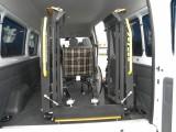常州地区信德泰克改装面包车尾门残疾人轮椅上车电动液压升降台