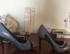 便宜转让鞋子和衣服,鞋子是百丽集团的,衣服也是品牌货。