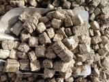 花生壳生物质压块燃料 大量供应低价批发 高热值环保