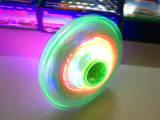 音乐UFO飞碟陀螺新款发光儿童小玩具批发礼品摆地摊货源创意包邮