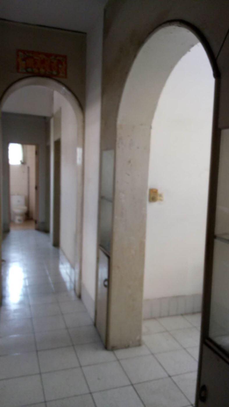 同华西五街 三房出售 环境舒适 交通方便 中间楼层 南北