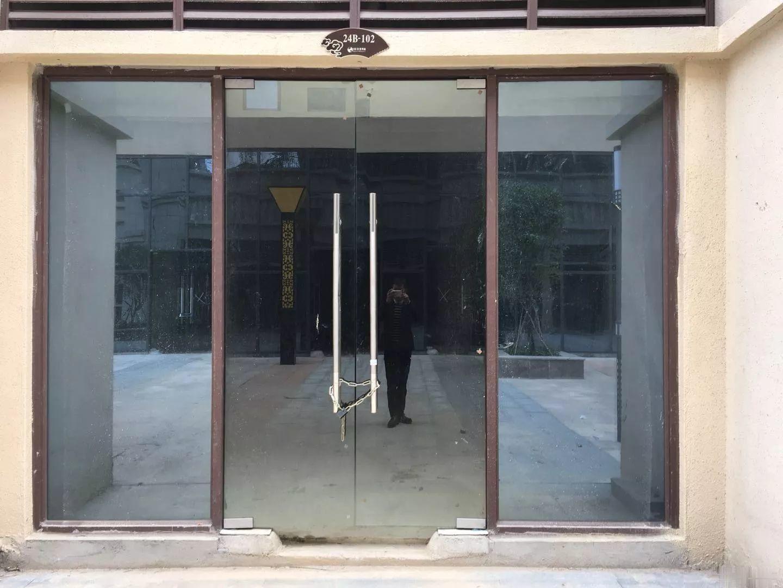 新建区 新城吾悦广场旁 40平得140平沿街旺铺