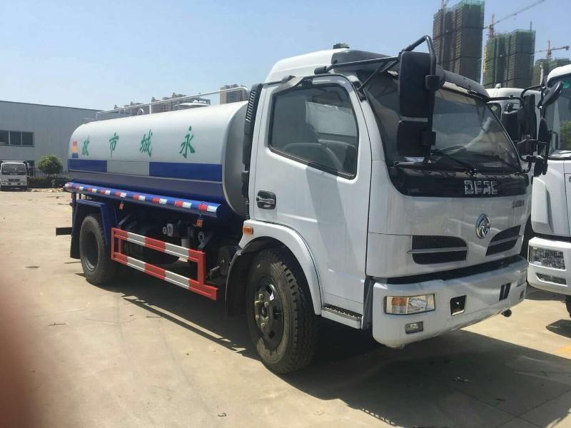 上海国五5吨9吨12吨洒水车30米40米雾炮洒水车厂家直销