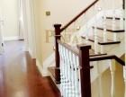 现代简约实木整装案例图片 白色木质整根立柱楼梯 别墅楼梯