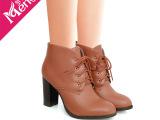 供应优雅白搭英伦学院风短靴 进口PU绒里前系带 粗高跟靴子女靴