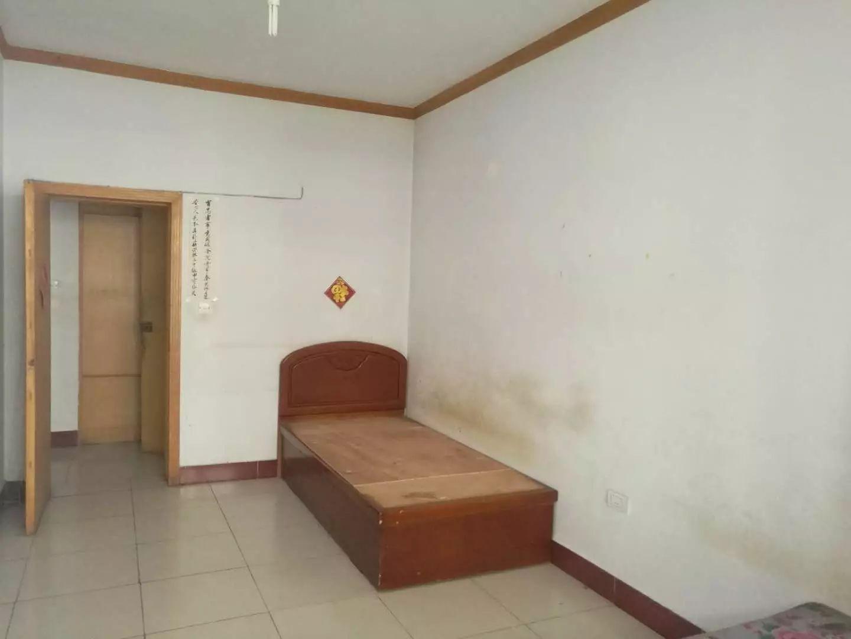 南街 白云社区栖凤小区 3室 2厅 123平米 整租