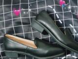 很日系的皮鞋40码半价出特便宜