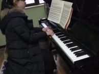 精 学钢琴,学唱歌,学吉他,认准武汉擎楚艺术培训