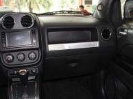 吉普 指南者 2014款 2.4 手自一体 改款四驱舒适版骏威龙