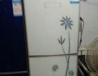 出售一亮白面三门冰箱