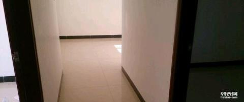 汇丰大厦 3室 1厅 97平米