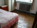 出租实体墙主卧室内没有隔断滴房间