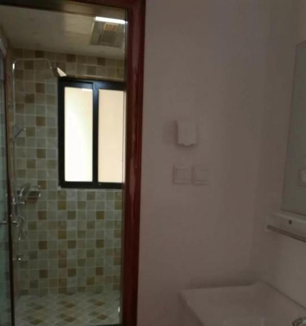 吾悦广场3房2厅全新装修,家具家电齐全