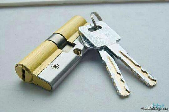 张店开锁换锁2181 110指纹锁安装