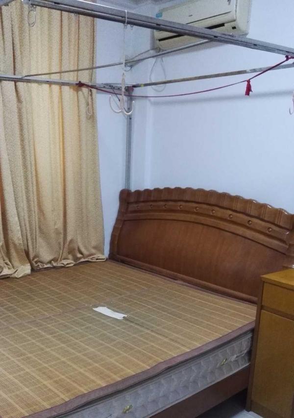 西区中超花园 2室2厅 80平米 中等装修 押一付二