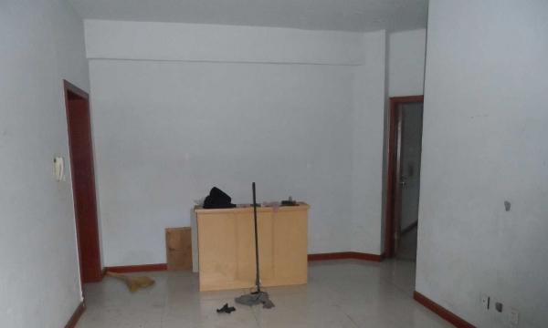 云水家园C区 1室1厅 52平米 简单装修 年付