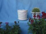 陶瓷现代风格浮雕纹白色圆形花盆
