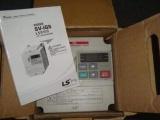 SV008IG5-4 变频器 3相 0.75kw 包邮
