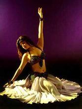 独到的傲人的特色肚皮舞上华翎学习舞蹈