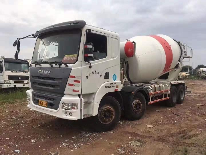 8至20方二手搅拌车30至63米二手混凝土泵车供应