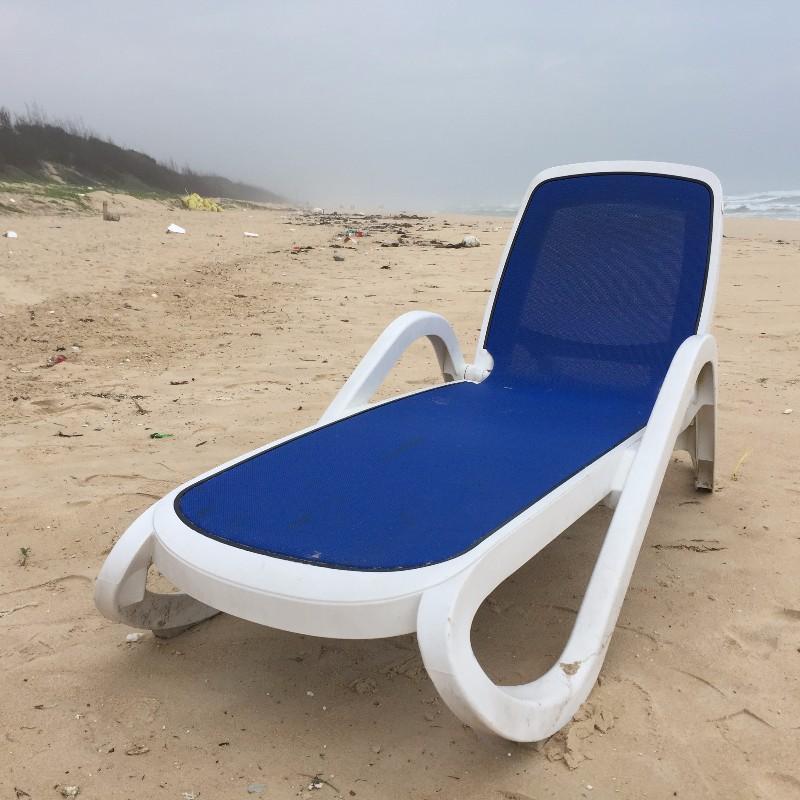 泳池馆休闲躺椅塑料单人躺椅塑料泳池躺椅沙滩休闲躺椅午睡躺椅