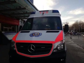 附近救护车出租 正规救护车出租中心 价格平民