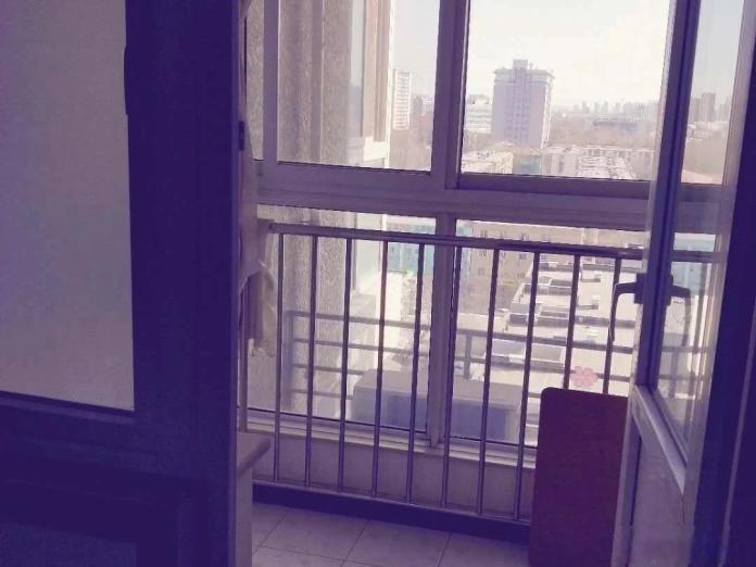 首套 定福庄西街大三居 传媒校内 电梯房 市政供暖 可短租定福庄西街