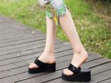 韩版时尚亮片人字拖 夏季女厚底坡跟凉拖