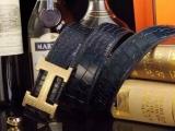 给大家透露一下菲拉格慕黑棕双面皮带,价格一般多少钱
