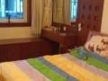 大庆路 文港路交界 五星小区 精装95平米 三居室