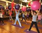 一个女人真正坚定瑜伽的样子-新洲梵羽国际瑜伽