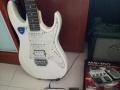 九成新电吉他低价出售