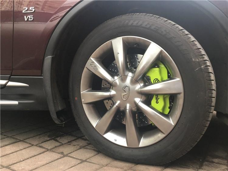 英菲尼迪QX50刹车升级改装brembo鲍鱼刹车卡钳套装