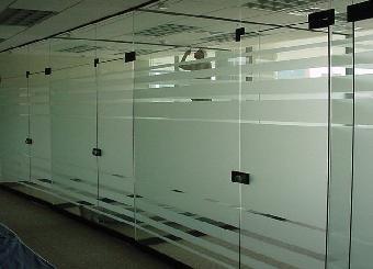 玻璃贴膜Logo条亚克力制作