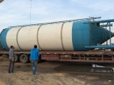 通辽出售火车罐,油罐水罐,压力罐,白钢罐,水泥罐,吨桶
