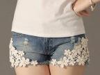 2013夏季新款 精致唯美珍珠蕾丝花朵破洞牛仔短裤 热裤TG01